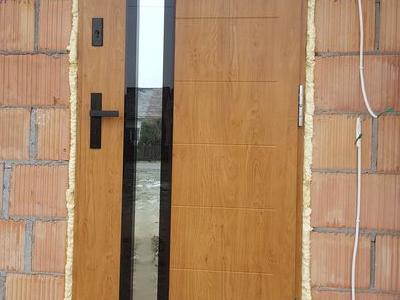 drzwi zewnętrzne 8