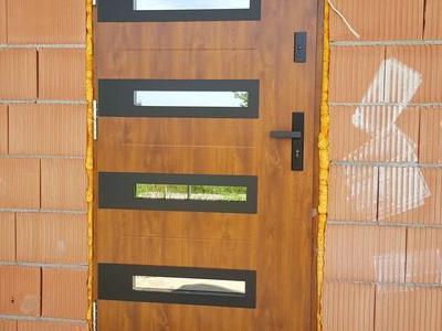 drzwi zewnętrzne 1